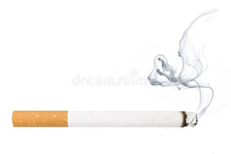 Sigaretta con fumo fotografia stock libera da diritti