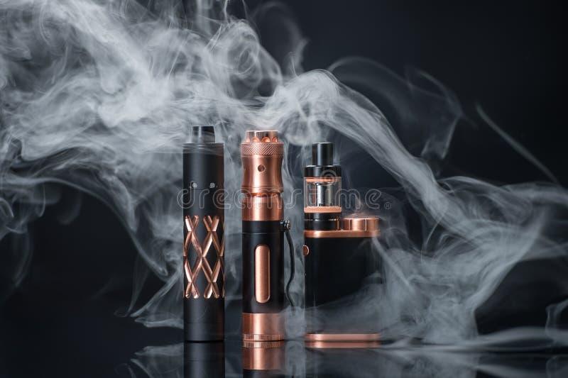 Sigaretta elettronica immagine stock libera da diritti
