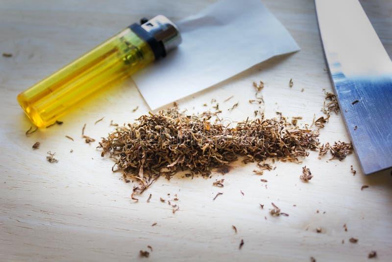 sigarettabak of marihuana of hennep voor antidrugconceptenbac royalty-vrije stock foto's