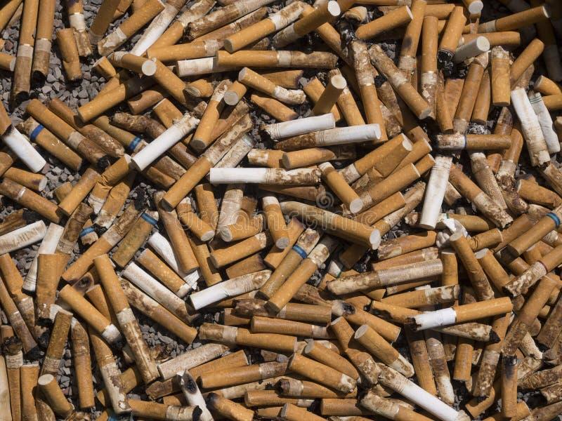 Sigaretuiteinden royalty-vrije stock afbeelding
