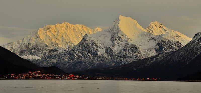 Sigerfjord Noorwegen Lofoten stock foto's