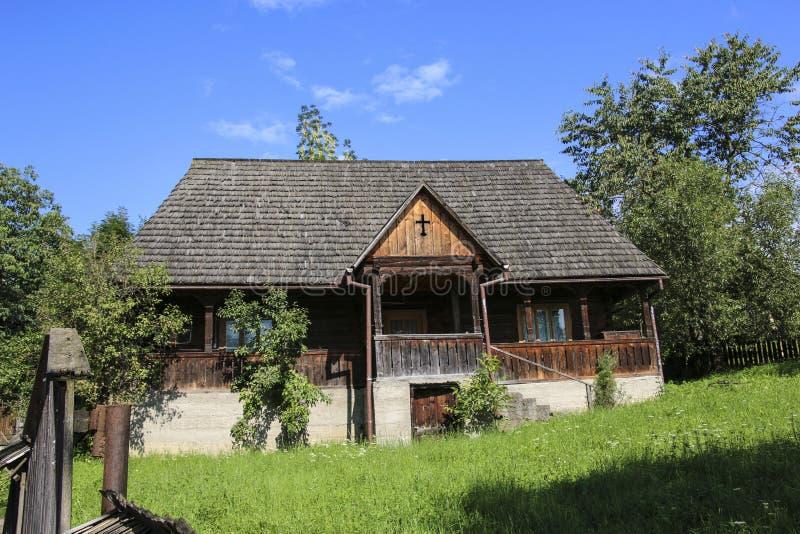 Sighetu Marmatiei,罗马尼亚 老vilage在Maramures,罗马尼亚tr 免版税库存照片
