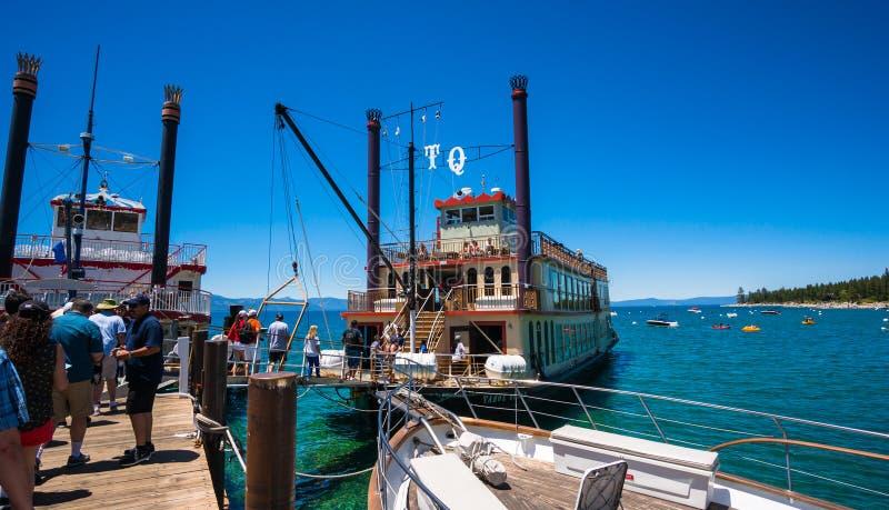 SightkryssningTahoe drottning i Lake Tahoe fotografering för bildbyråer