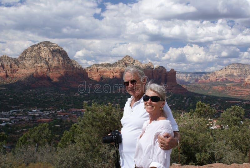 sightseeing пар более старый стоковое фото rf