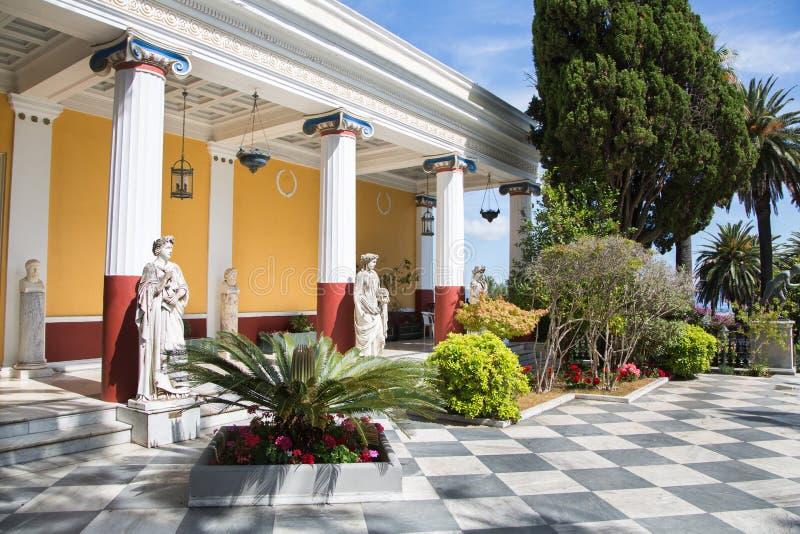 Sightseeing em Corfu/Grécia: Castelo da imperatriz Elisabeth II de foto de stock
