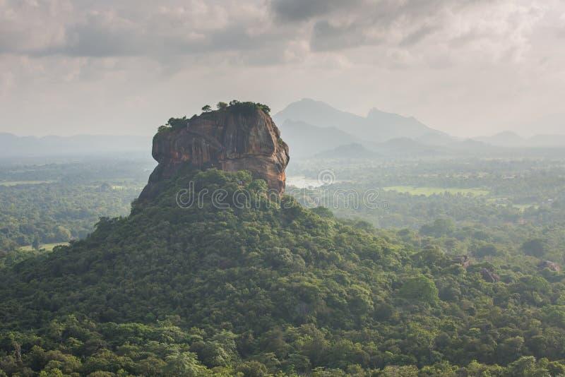 Sigiriya lwa skały forteca, widok od Pidurangala, Sri Lanka obraz stock