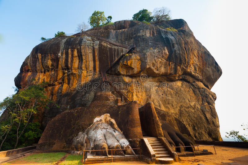 Download Sigiriya Rock Side Second Level Stairs Lion Feet Stock Image - Image: 27328283