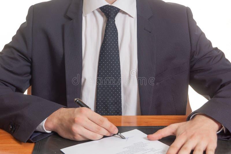 sign dei documenti dell'uomo d'affari immagini stock