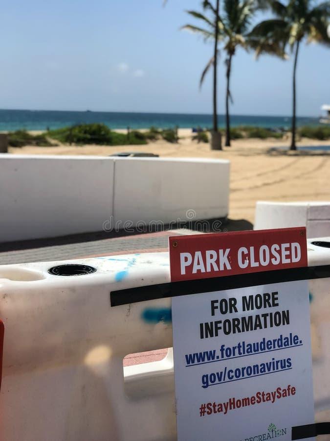 Sign Warns Fort Lauderdale Public Beach Closed During Coronavirus Pandemic stock images
