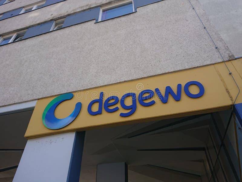 Signage da empresa do alojamento de Degewo foto de stock royalty free