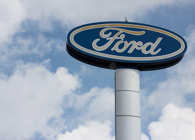 Signage de Ford Fundado por Henry Ford imagem de stock