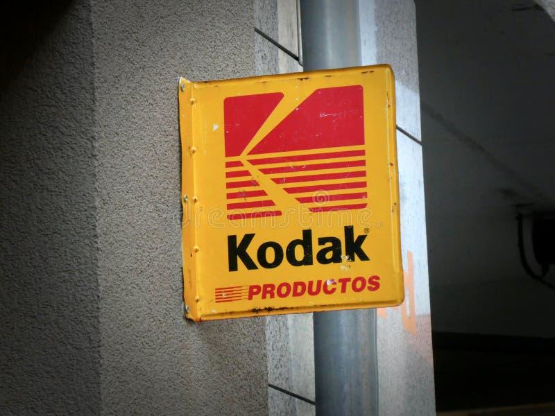 Signage de Kodak sur l'extérieur de construction images libres de droits