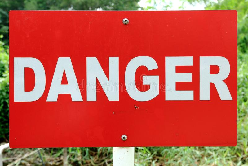 Signage do perigo imagens de stock royalty free