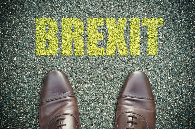 signage na drodze z butami i słowa brexit obrazy royalty free