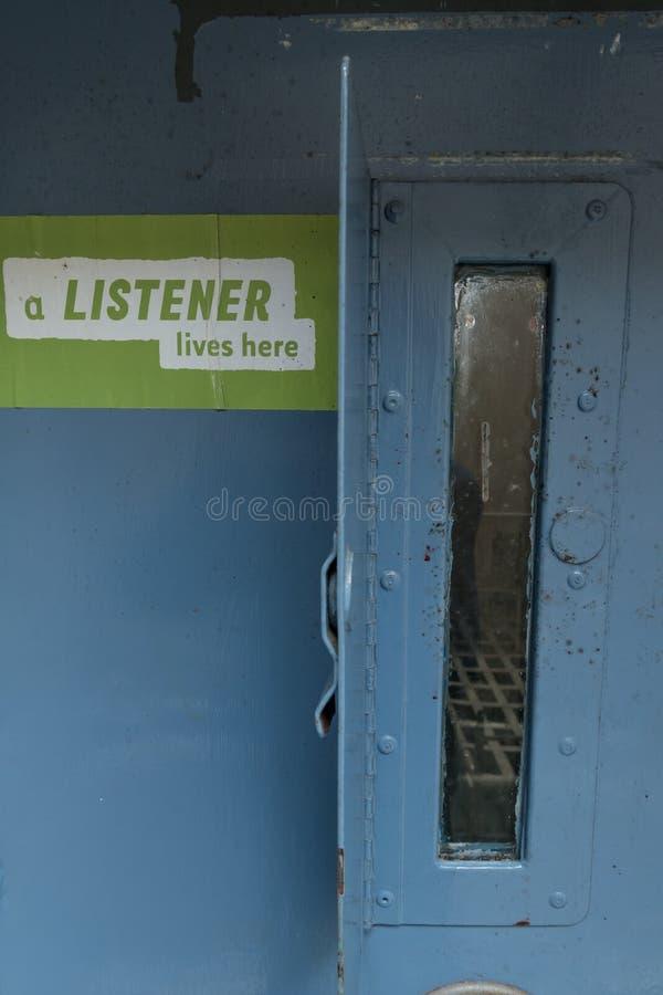 Signage op een celdeur in HMP Shrewsbury, een verlaten gevangenis stock afbeelding