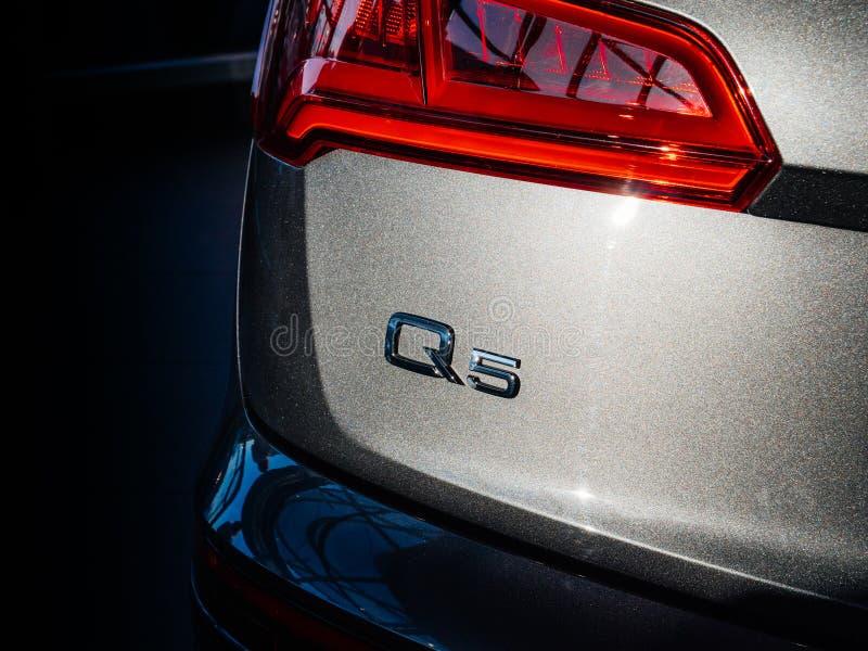 Signage van Audi Q5 embleem royalty-vrije stock fotografie