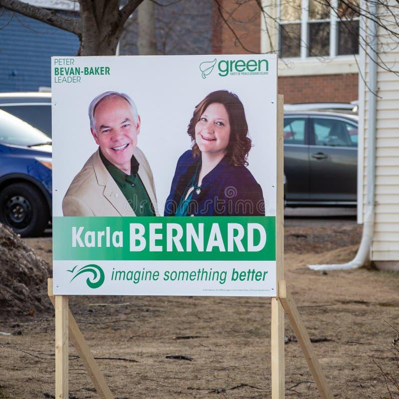 Signage von Peter Bevan-Baker und von Karla Bernard von PEI Green Party für provinzielle Wahl 2019 stockbilder