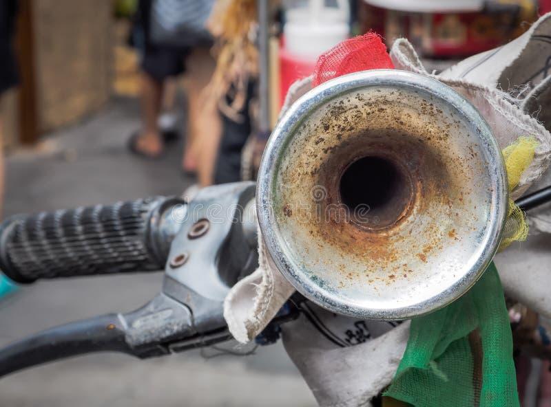Signal de klaxon d'air de vintage pour des bicyclettes photographie stock