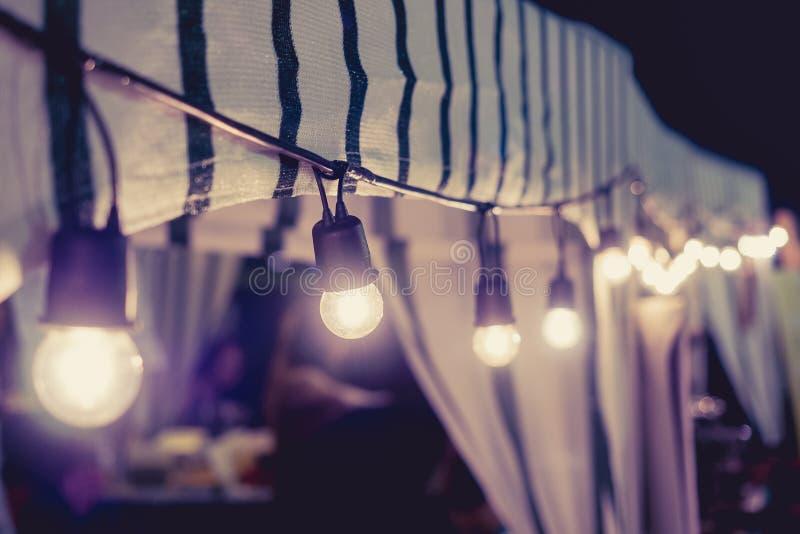 Signal för tappning för festival för ljusgarneringhändelse utomhus- royaltyfria bilder