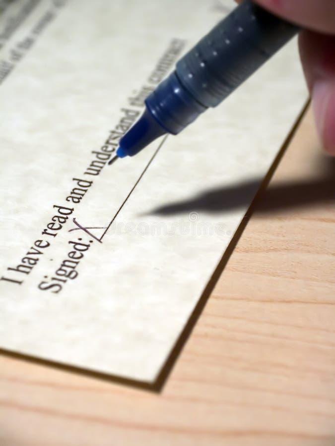 Signature de contrat image libre de droits