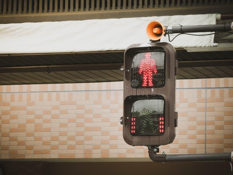 Signaux d'arrêt piétonniers du trafic de passage piéton photos stock