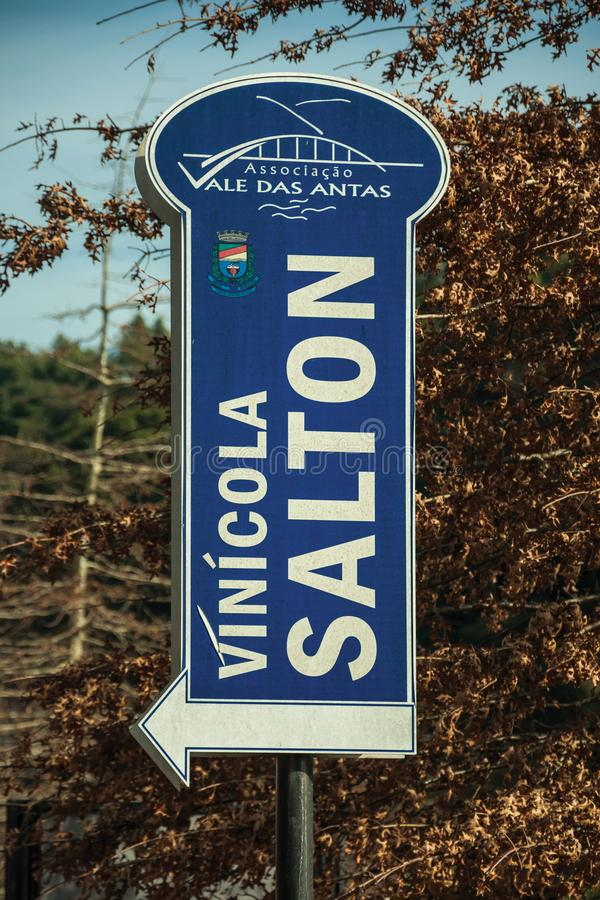Signboard pointing the direction of Salton Winery stock photo