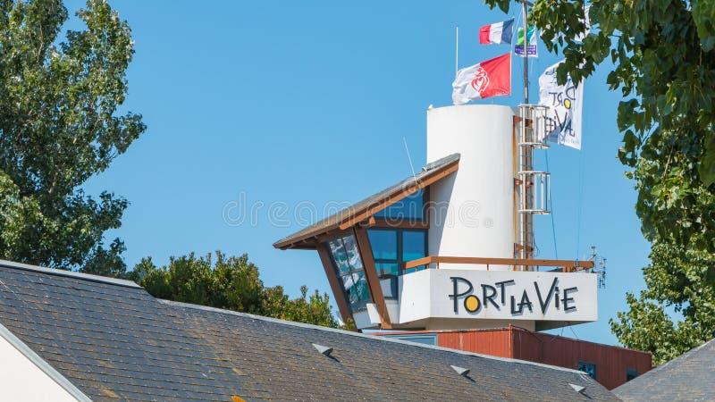 Signboard port święty Gilles Croix De Rywalizujący, Francja obraz stock