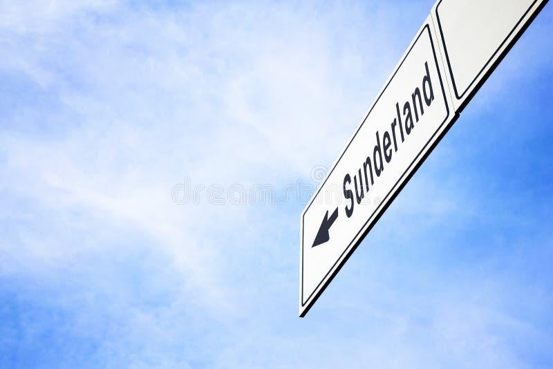 Signboard wskazuje w kierunku Sunderland fotografia stock