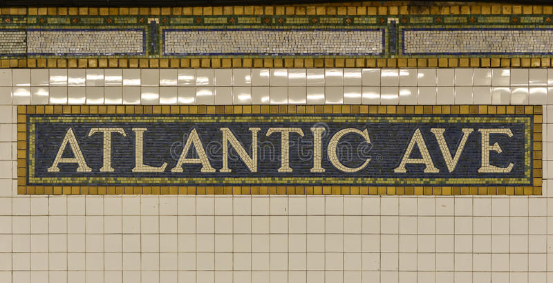 Signe atlantique de souterrain d'avenue, Brooklyn, New York photos stock
