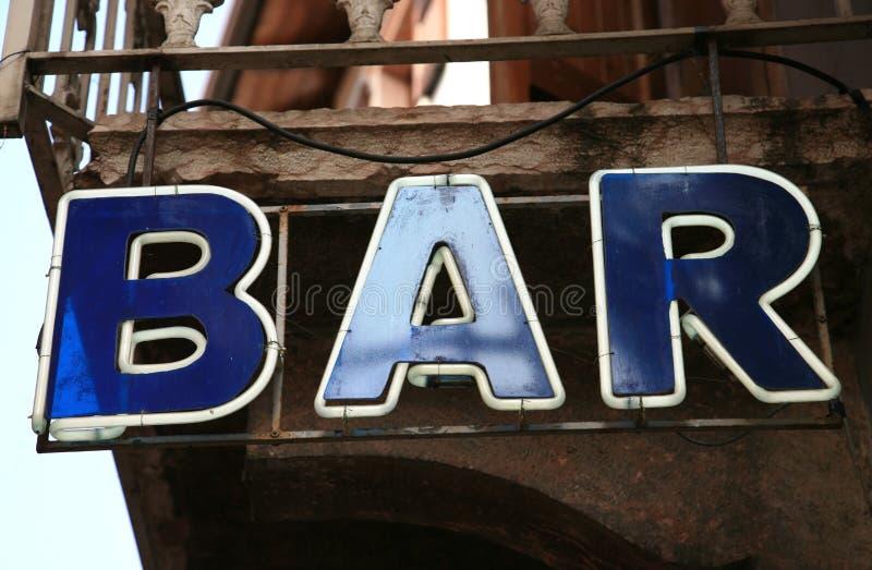 Signe au néon de bar photographie stock libre de droits