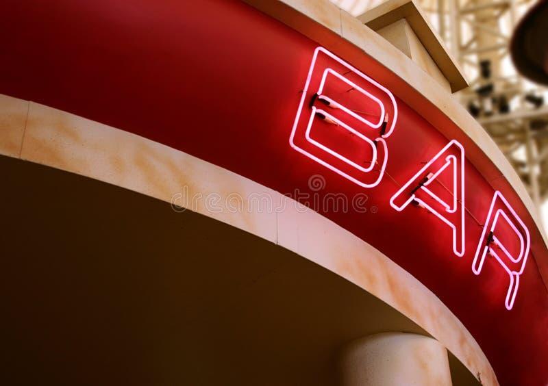 Signe au néon de bar photos libres de droits