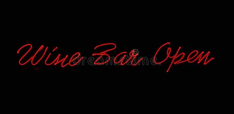 Signe au néon de bar de vin photo stock