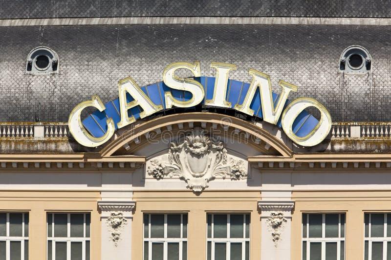 Signe au néon de casino à Deauville-Trouville photo stock
