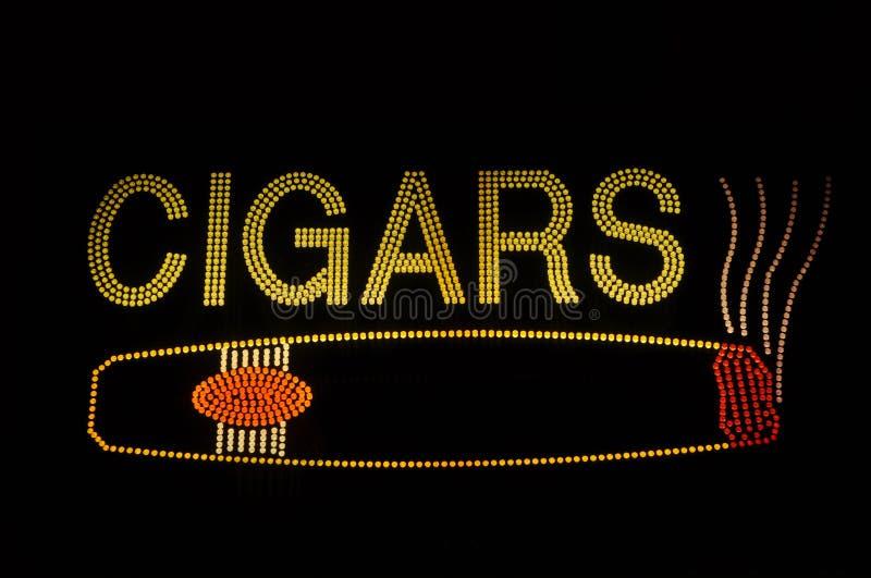 Signe au néon de cigare avec le graphisme illustration de vecteur