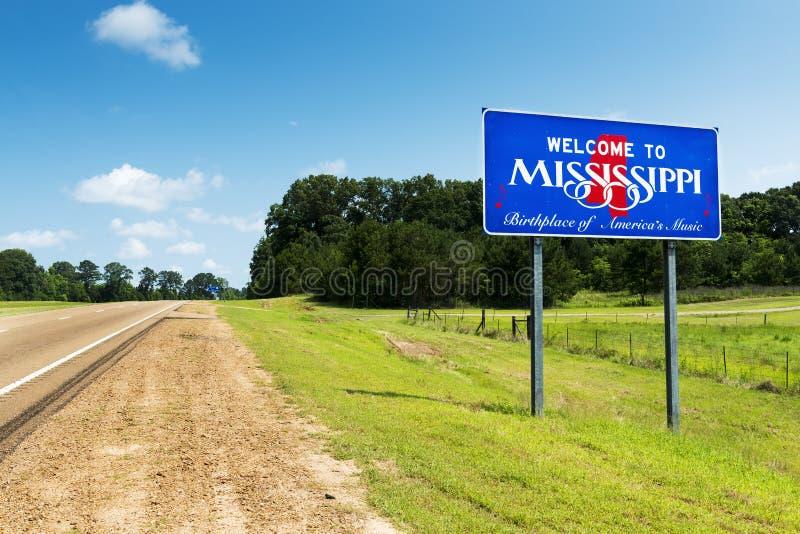 Signe bienvenu d'état du Mississippi le long de la route 61 des USA aux Etats-Unis image stock