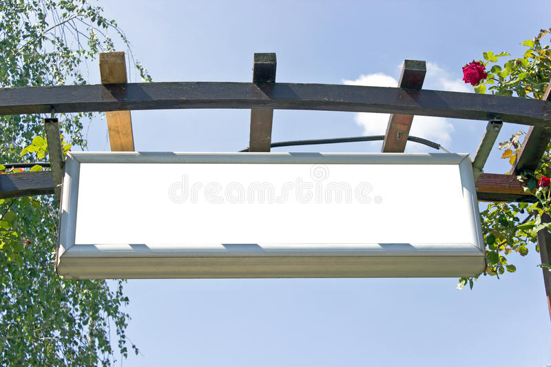 Download Signe blanc blanc image stock. Image du trappe, nuage - 45368825