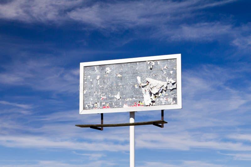 Signe blanc de panneau-réclame avec la vieille texture grunge images libres de droits