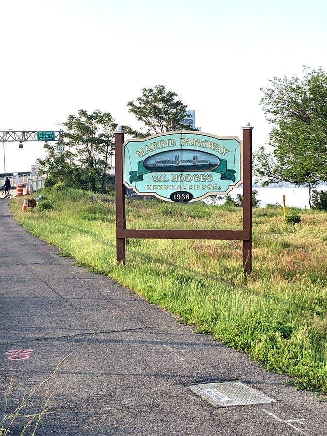 Signe commémoratif New York de route express de pont marin de gil photos stock
