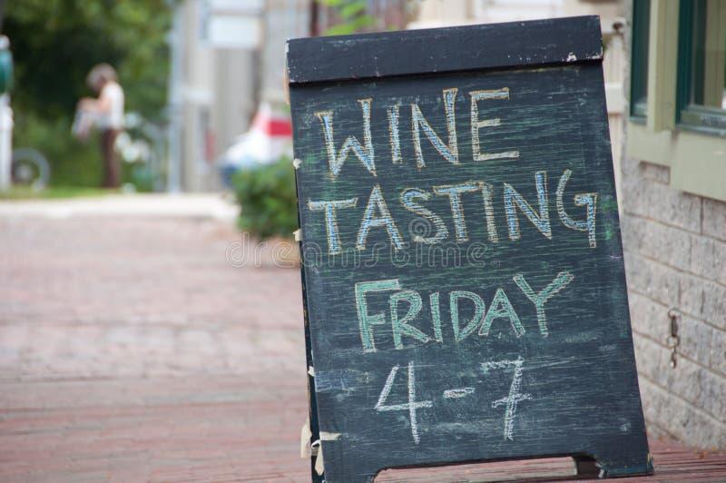 Signe d'échantillon de vin photographie stock libre de droits