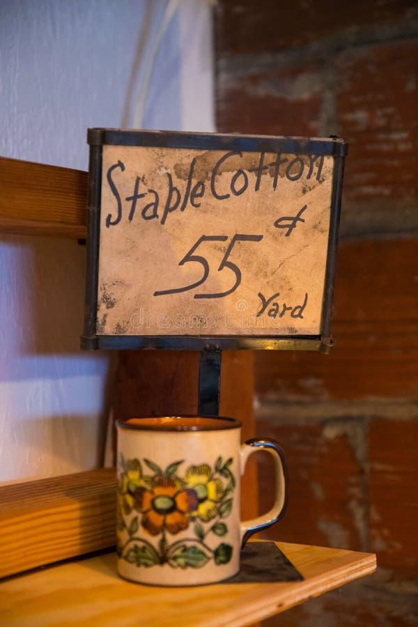 Signe d'évaluation de coton d'agrafe photographie stock libre de droits