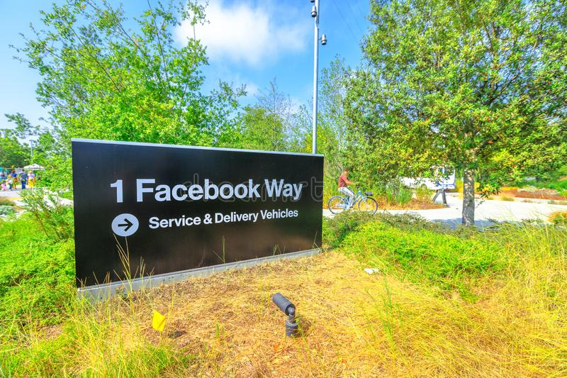Signe d'entrée de QG de Facebook photographie stock libre de droits