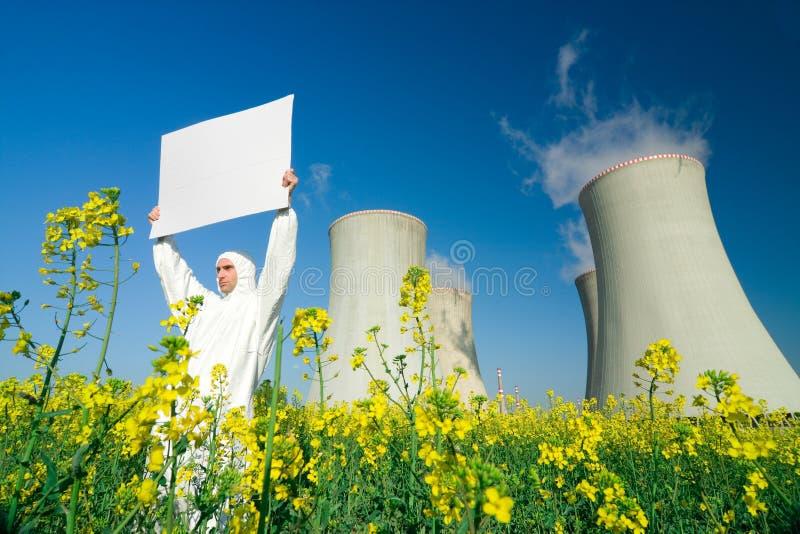 signe de centrale nucléaire d'homme photo stock