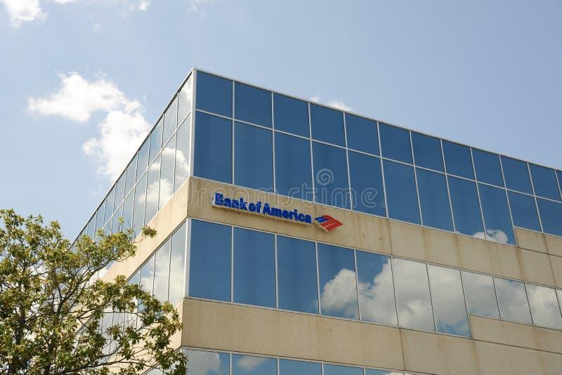 Signe de centre d'opérations bancaires de la Banque d'Amérique photographie stock libre de droits