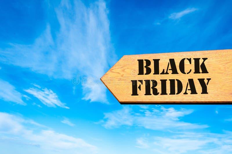 Signe de flèche avec le message de Black Friday image stock