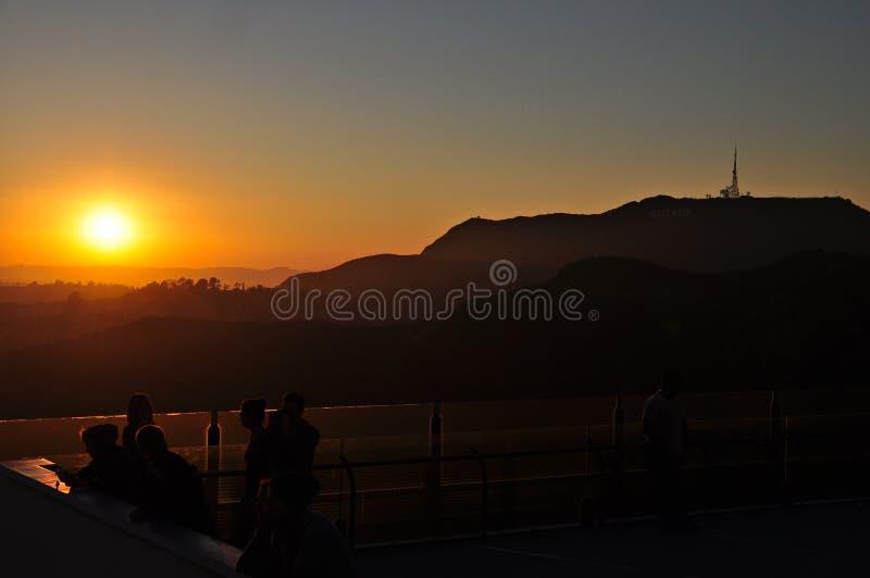Signe de Hollywood au coucher du soleil photos stock