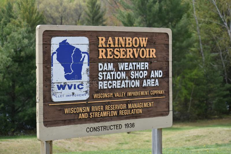 Signe de réservoir Rainbow Wisconsin Valley image stock