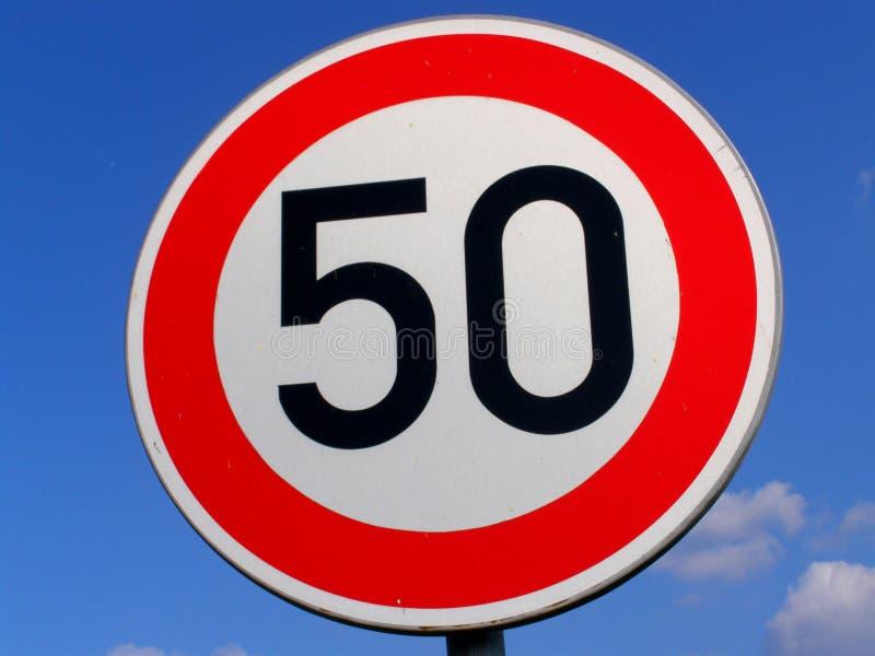 Signe de route 50 photographie stock libre de droits