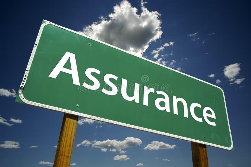 Signe de route d'assurance image libre de droits