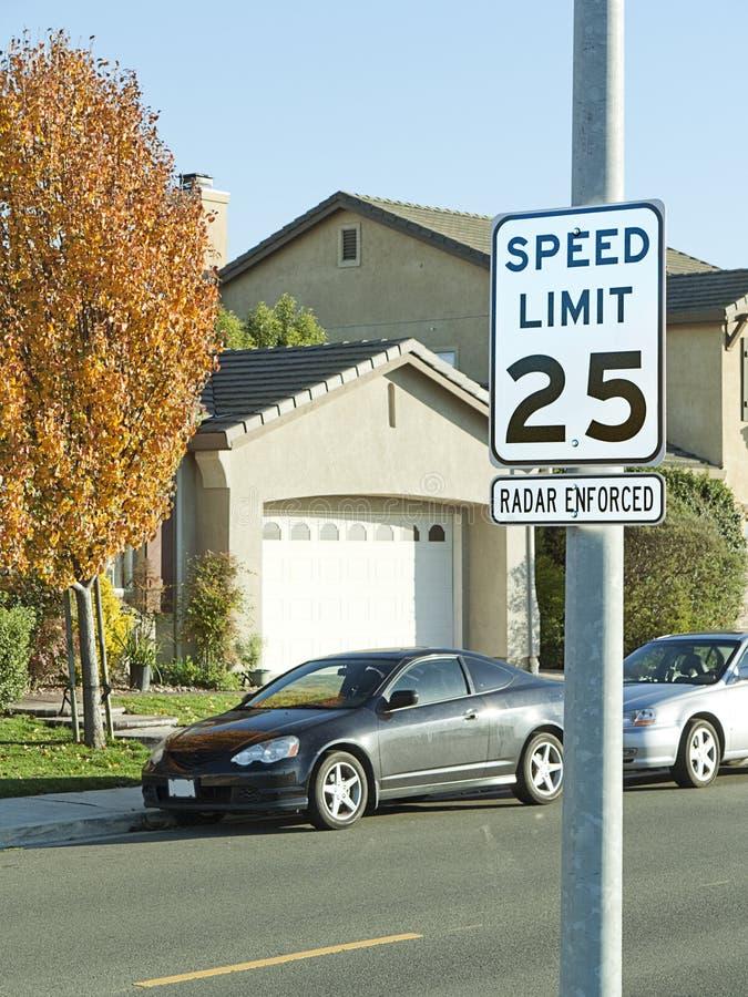 Signe de rue de la limitation de vitesse 25mph image libre de droits
