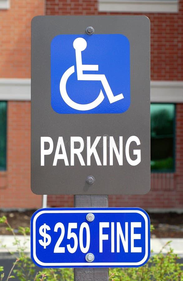 Signe de stationnement d'handicap image libre de droits